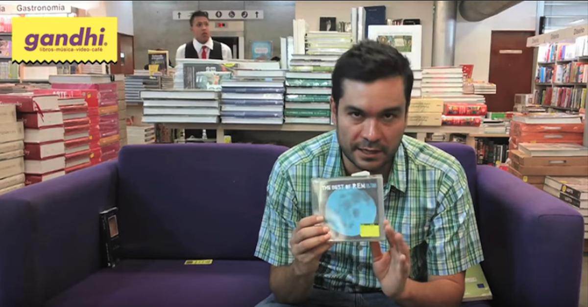 ¿Qué hay en la bolsa de Alejandro Magallanes?