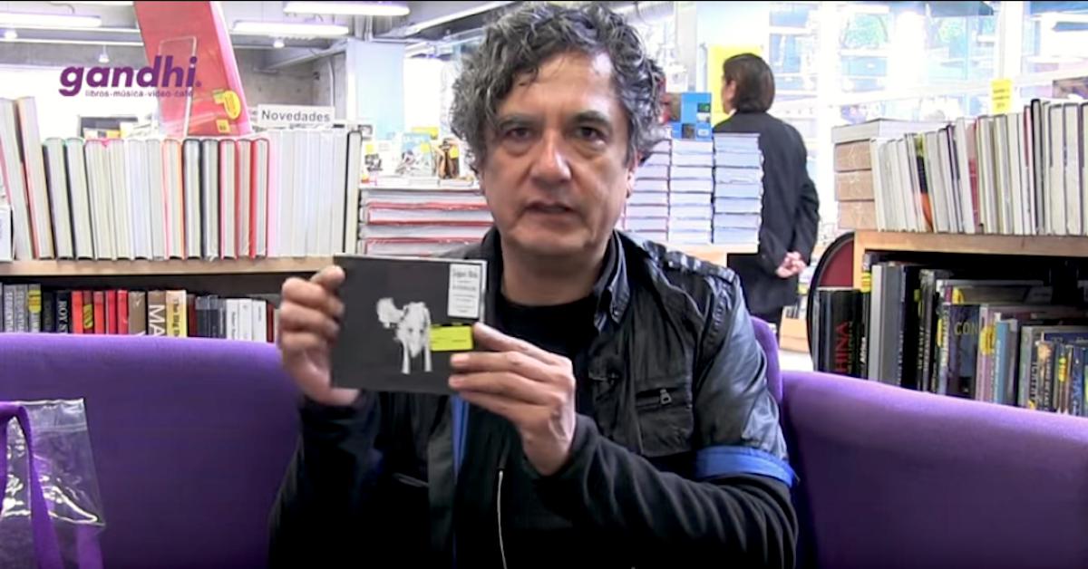 ¿Qué hay en la bolsa de Armando Vega-Gil?