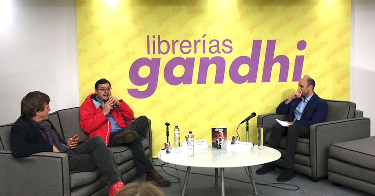 Alberto Lati presentó 'Aquí, Borya' en la librería Mauricio Achar