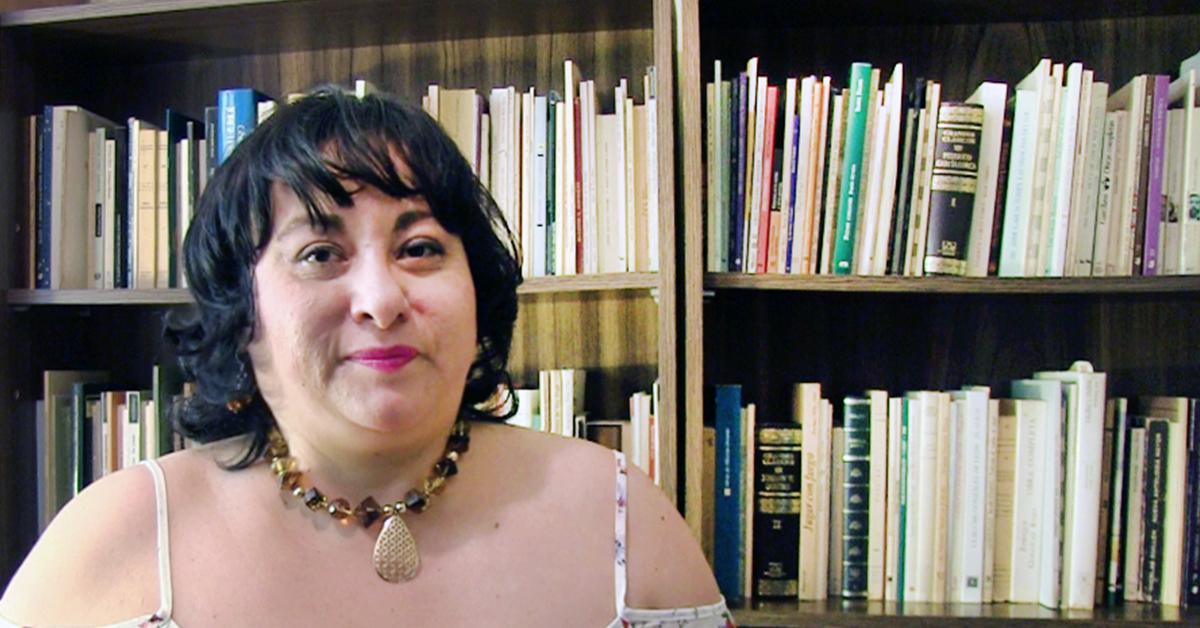 Conoce el librero de Claudia Posadas