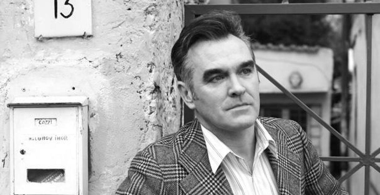 ¡Felices 60, Morrissey! Le rendimos culto a través de su música