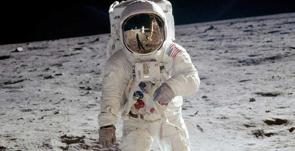 Los detalles de la llegada del hombre a la Luna en una serie y un documental