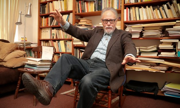 """70 años del poeta mexicano David Huerta: """"Escribo a los 70 años con una nueva juventud, muy entusiasmado"""""""