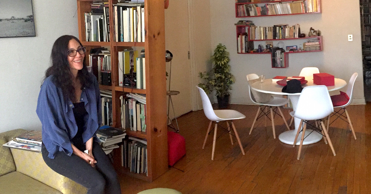 """""""El libro es un lugar para la reinvención"""": Vivian Abenshusan y su 'Permanente obra negra'"""