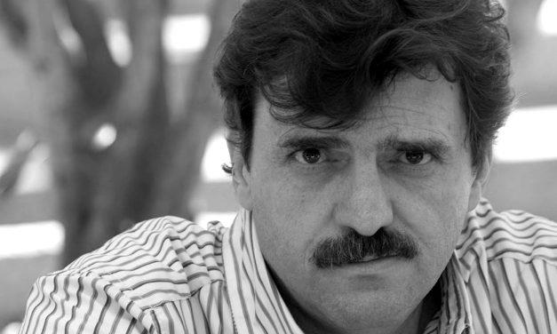 """Enrique Serna ganador del Premio Excelencia en las Letras """"José Emilio Pacheco"""" 2020 El escritor es reconocido por su versátil obra"""