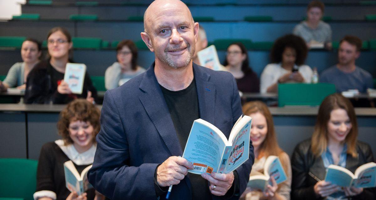 Nick Hornby: 25 años de leerlo en Alta Fidelidad