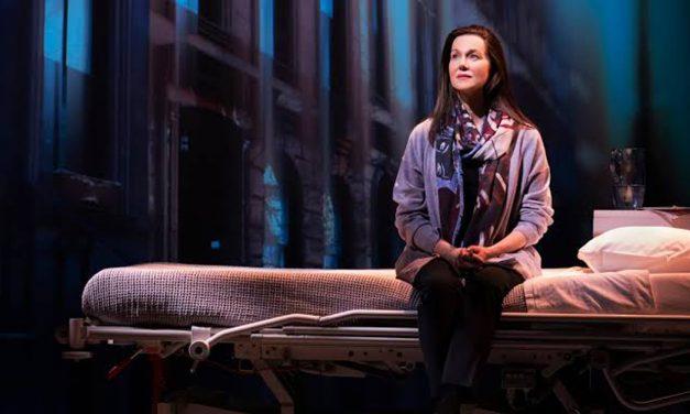 """Del libro al escenario: """"Me llamo Lucy Barton"""" estrena en Broadway"""