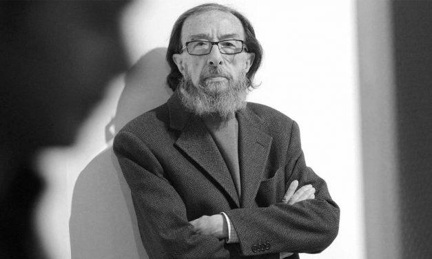 Muere el escritor Juan Eduardo Zúñiga