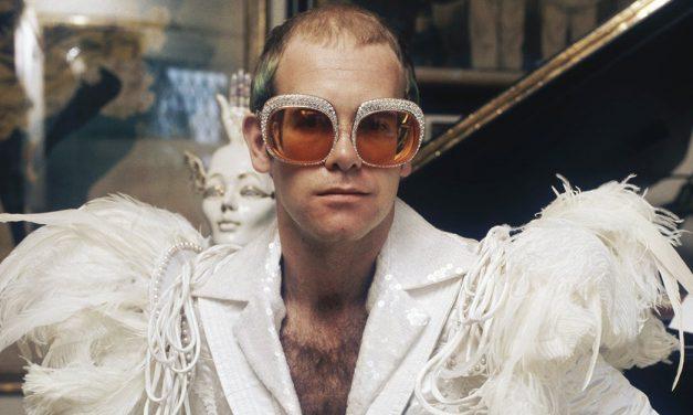 Elton John y su alturismo