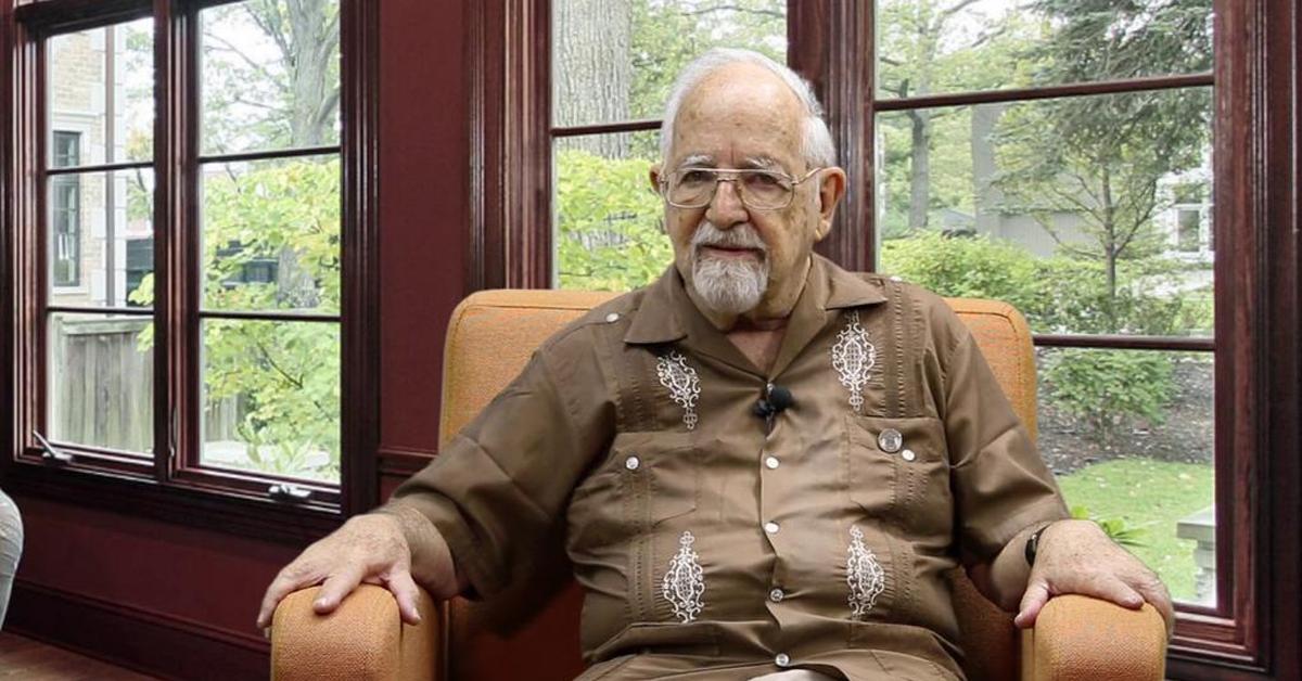 Fallece el dramaturgo mexicano Tomás Urtusástegui