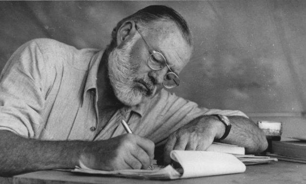 Descubren relato inédito de Ernest Hemingway