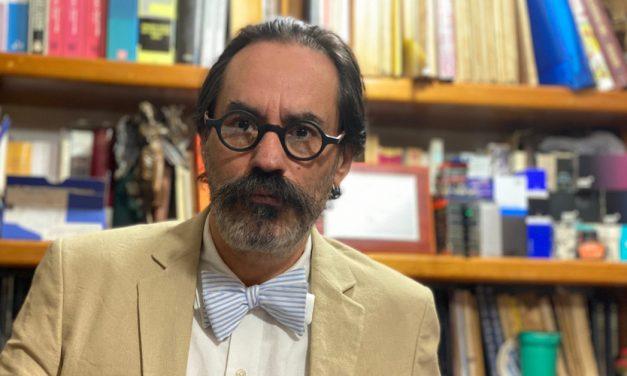 El librero de Mario Bojórquez