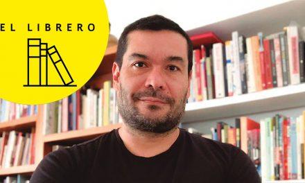 El librero de Alejandro Magallanes