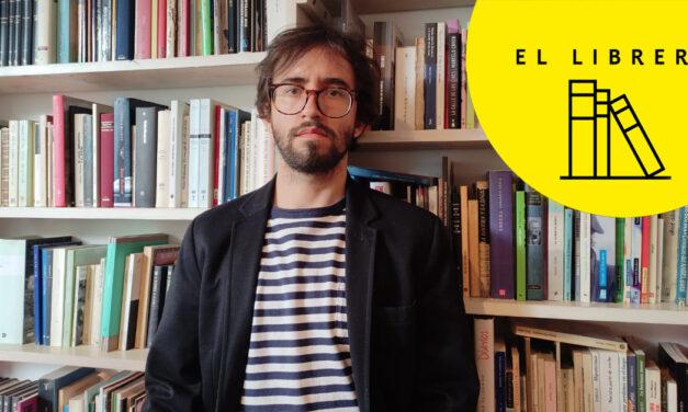 El librero de Daniel Saldaña París